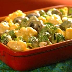 Flores vegetales con salsa de queso